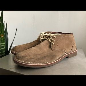 Kenneth Cole Chukka Suede Boots 8.5US